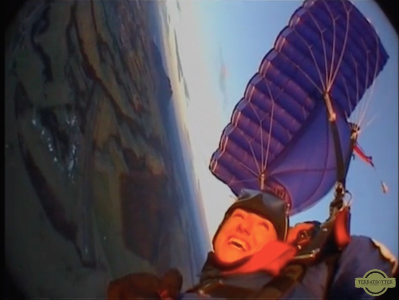 Skydiving in New Zealand - Nicole
