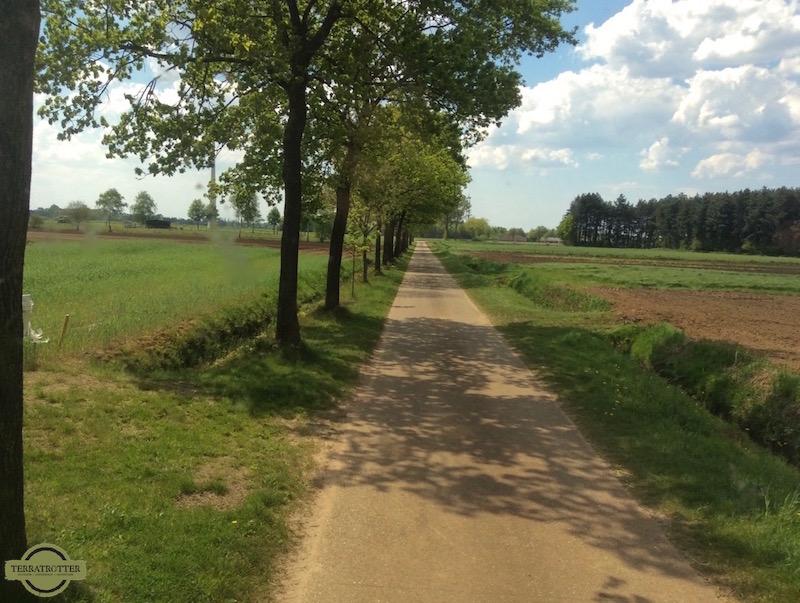 Avoiding Belgian toll - Country road